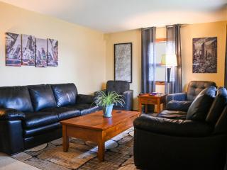 saint-paul-spirit-house-sober-living-pacific-house-living-room