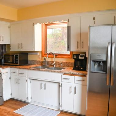 saint-paul-spirit-house-sober-living-pacific-house-new-kitchen-2